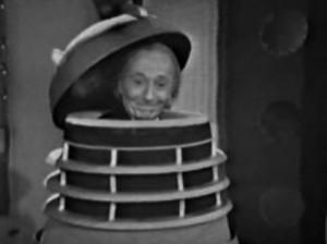 To nie jest fotomontaż. W jednym odcinku Doktor rzeczywiście przejął kontrolę nad Dalekiem metodą wejścia do środka.
