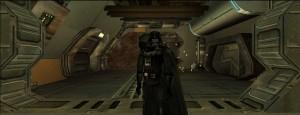 Darth w pełnej okazałości. Wszystkie screeny pochodzą z fanowskiego dodatku do gry znanego jako TODOA. Wypuszczono go w 2010 roku, czyli całkiem sporo czasu po premierze gry. Poza poprawieniem tekstur autor wykorzystał także część modeli stworzonych na potrzeby kontynuacji Jedi Knighta opartych na enginie Quake'a III. Czyż Jedi Knight nie miał niezłego silnika graficznego?